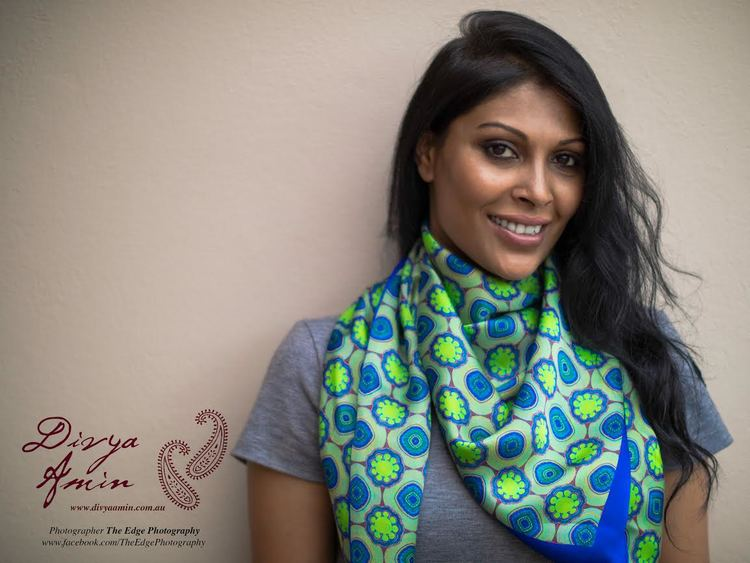 Divya+Amin+I+am+Inspired+scarf+without+content