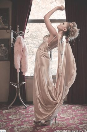 Leiela silk gown