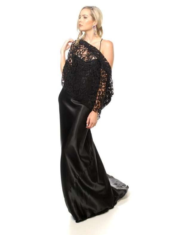 Willow neck and shoulder wrap black lace