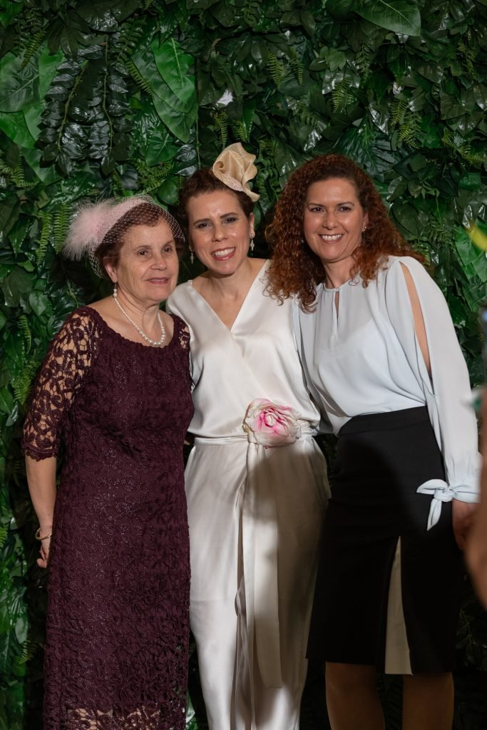 Lucy Laurita with mum and sister